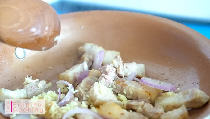 Image of pork sauteed with garlic and onions